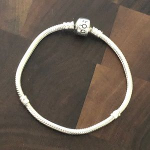Pandora Barrel clasp bracelet 18cm like new